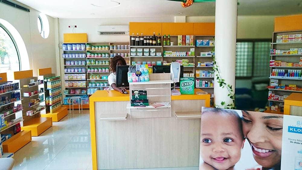 accueil-gondole-pharmacie-togo