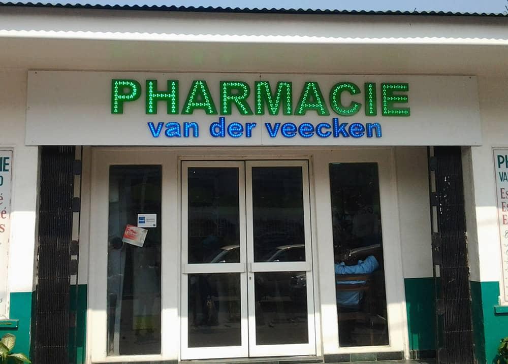 enseigne-pharmacie-vanderveecken