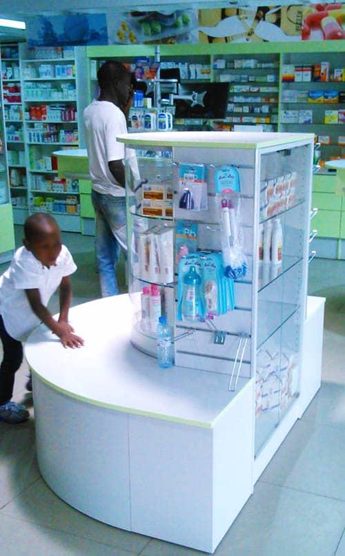 gondole-broches-pharmacie-hopital
