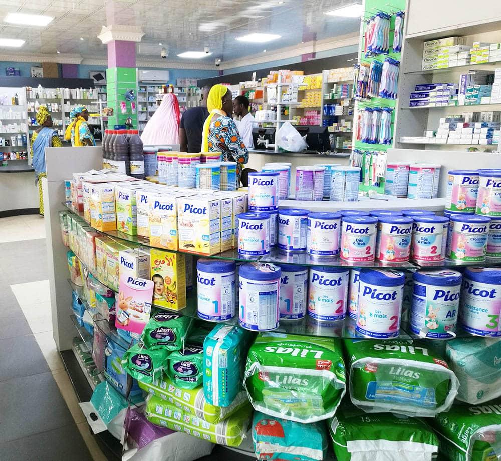 gondole-enfant-produits-pharmacie