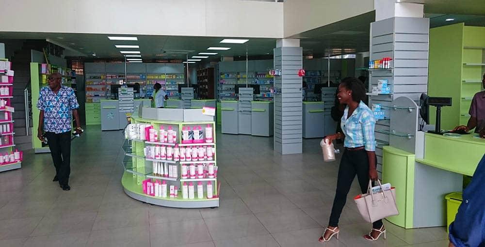 gondole-pharmacie-afrique