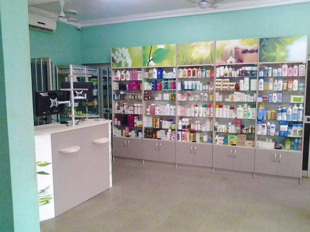 meubles-vitres-pharmacie-togo