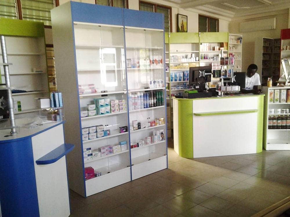 mobilier-vitre-pharmacie-togo